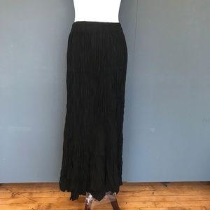 Black Pleated Maxi Skirt - Medium Large
